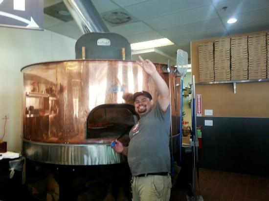 Bricks Wood Fired Pizza & Cafe: Friendly Staff