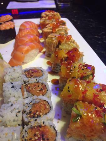 Fancy Q Sushi Bar & Grill: Yum