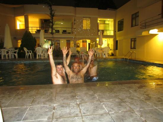 Hotel Belle Sand: A pesar de nuestra edad nos comportamos como niños.
