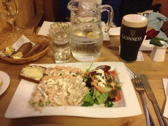 Morans Oyster Cottage: A plate of crab and prawns
