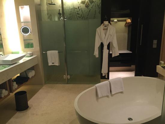 Bathroom Picture Of The Westin Gurgaon New Delhi Gurugram Gurgaon Tripadvisor