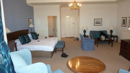 Metropole Hotel Room 104