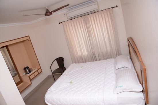 Hotel Vinayak: Double room