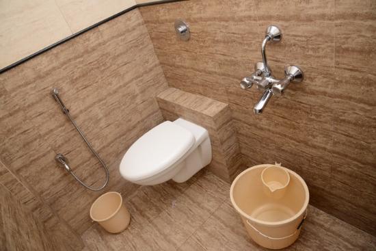 Hotel Vinayak: Bathrooms