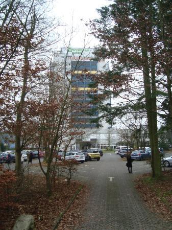 Wyndham Garden Lahnstein Koblenz: Парковка у отеля