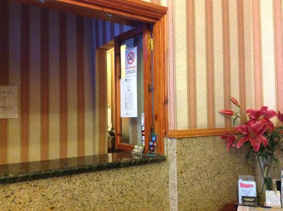 Seven Dials Hotel: reception