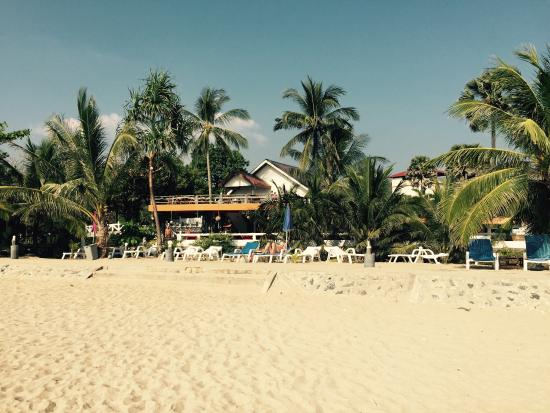 Lanta Il Mare Beach Resort: Hauseigener Strand am Ende einer Bucht