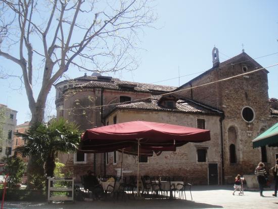 Chiesa di San Giacomo dell'Orio: Vista exterior da igreja