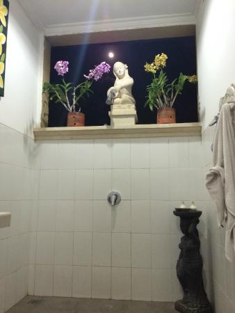 Kama Bisma Cottage: Beautiful bathroom