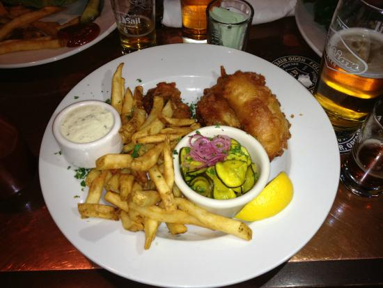 Full Sail Brewing Company : Salmon and Chips, with pickled cucumber and onion