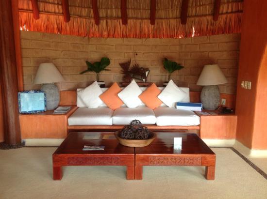 Villa Carolina Hotel: master suite living room