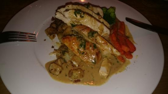 The Hayloft: delicious chicken with parmentier potatoes