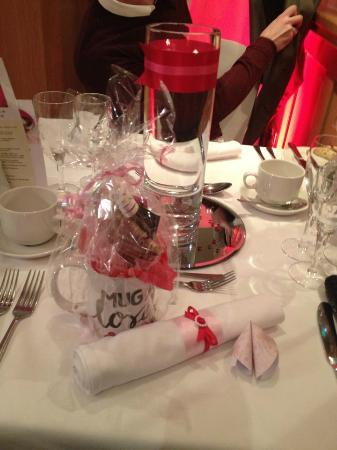 Mulberry House Hotel: Valentines table decor & gift for the lady