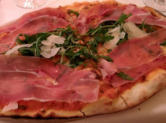 Scala: Pizza prosciutto crudo rucola e grana