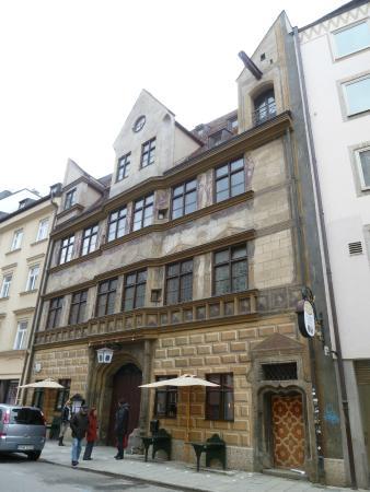 Höfer München fachada picture of hofer der stadtwirt munich tripadvisor