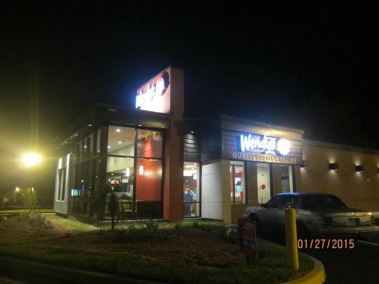 Wendy 39 s davenport 44304 highway 27 restaurant reviews for 5 star salon davenport