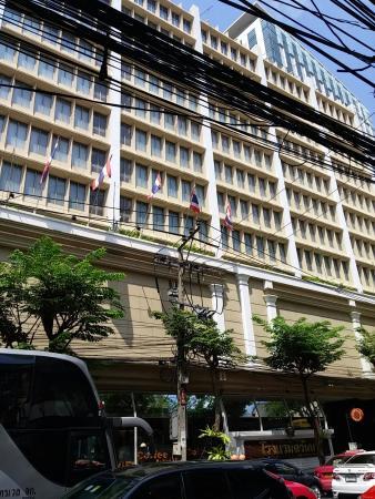The Tawana Bangkok: Exterior