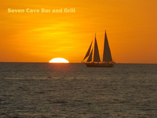 Seven Cave Bar & Grill : Sunset and BBQ. Worth the trip from Tamarindo
