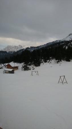 Rifugio Stella Alpina : Il panorama dalla finestra della camera collettiva con 9 posti letto