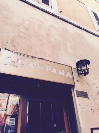 La Campana: Un ristorante aperto la Domenica