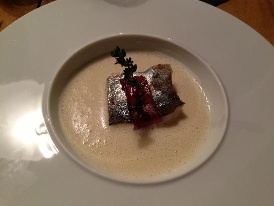 Restaurant Possruck: Cremesuppe vom Sellerie mit Saltimbocca von der heimischen Forelle