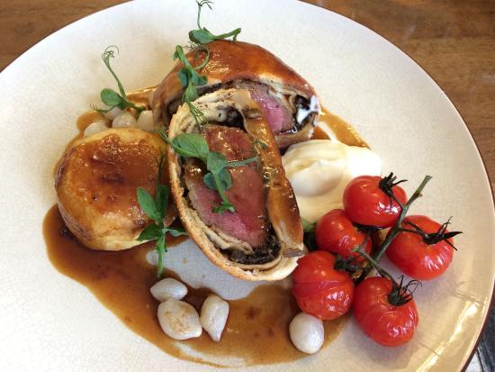 Rose & Crown: Beef wellington