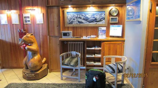 Hotel Avancher: Lobby