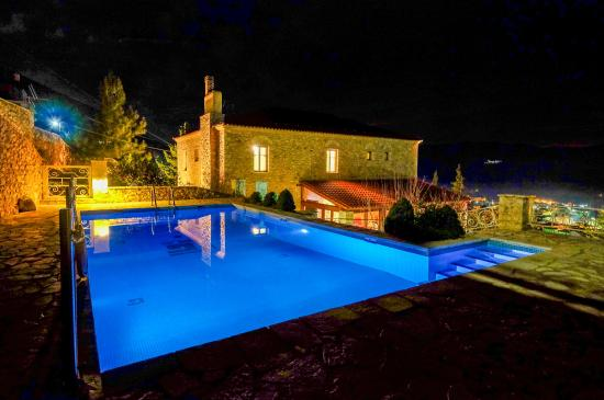 Kiriaki Traditional Hotel: swimming pool