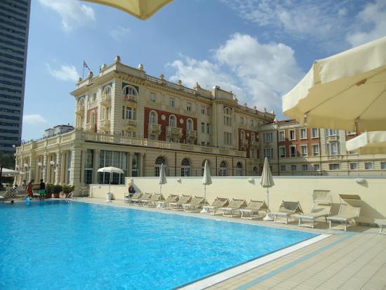 Piscina grand hotel foto di grand hotel cesenatico cesenatico tripadvisor - Hotel cesenatico con piscina ...