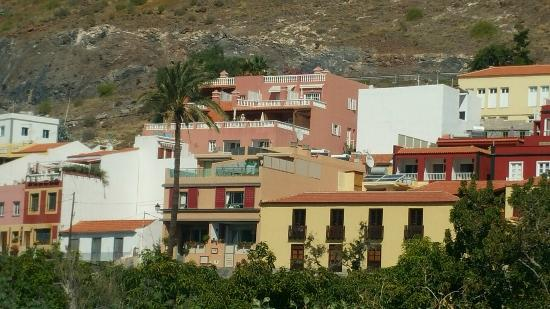 Apartamentos Bellavista Gomera: Our terrace is the right one second from the top floor