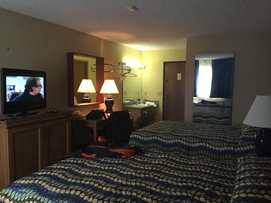 Riverside Inn Motel: Double upgrade room