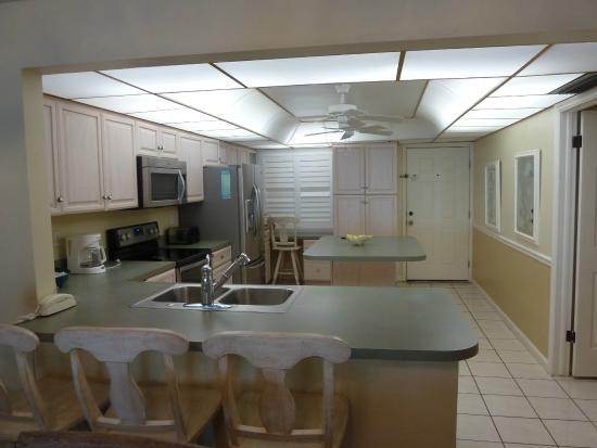 Pointe Santo de Sanibel: Kitchen