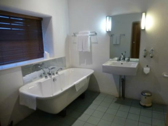 Navan, Ireland: bathtub