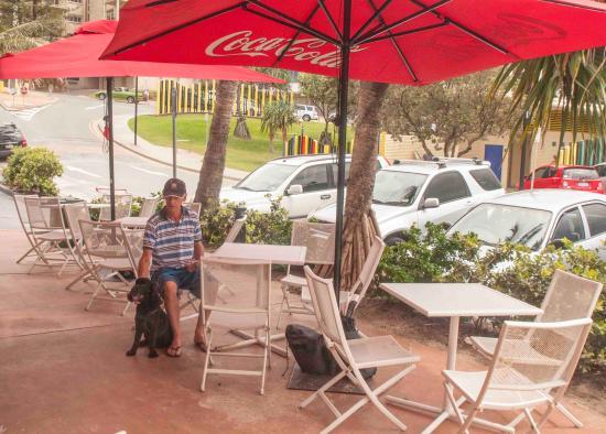 De Lish Fish @ Kings : Outside seating