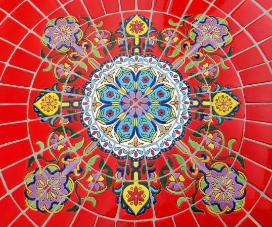 Su Nido Inn (Your Nest In Ojai): Colorful tiles...