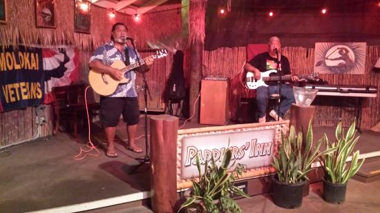 Kaunakakai, Havai: Enjoyable entertainment provided by Sterling