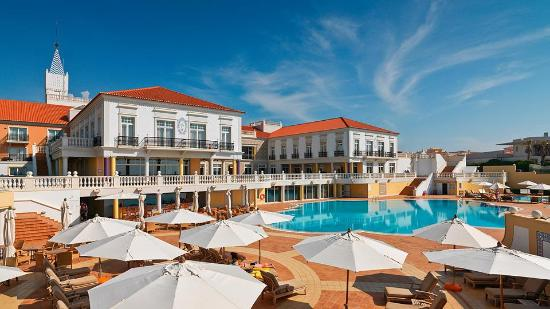 Praia D'El Rey Marriott Golf & Beach Resort: Pool_View