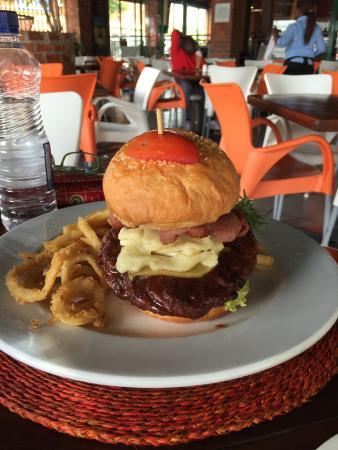 Rhapsody's: Hamburger from heaven