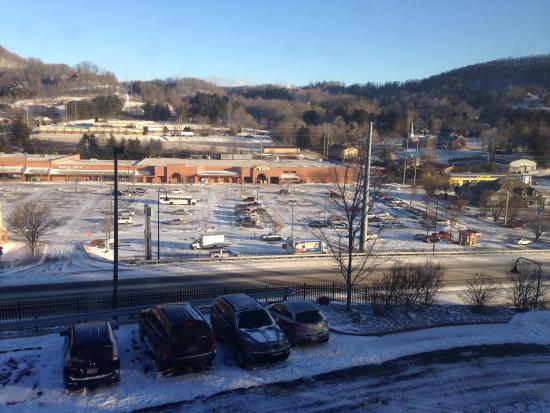Quality Inn & Suites University: View from room on front