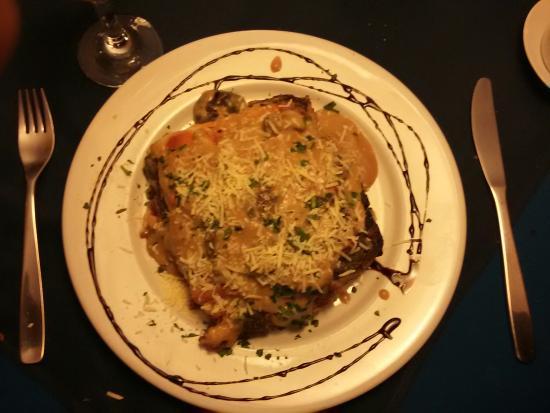 Trattoria da Piero: Lasagna da casa. Serve muito bem uma pessoa