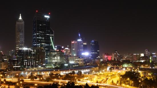 Fraser Avenue Lookout : Night view