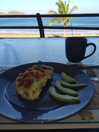 Twin Dolphins B & B: Amazing breakfasts