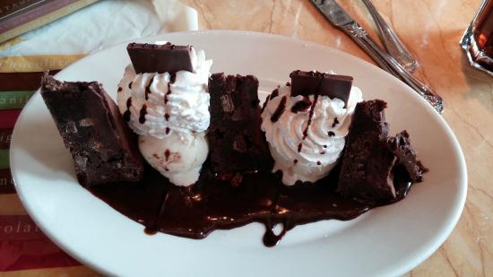 The Cheesecake Factory : Godiva Brownie Sundae