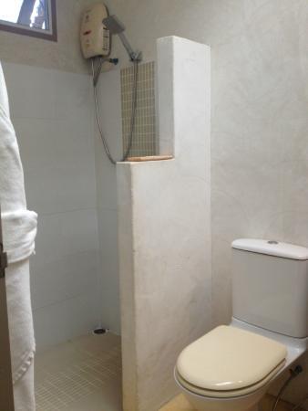 Aka-Nak Resort : Bathroom