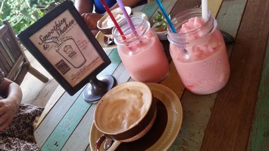 Monkey Biziness Cafe - Koh Lanta : Perfect coffee and shakes!