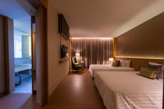 Bed Room Of Golden Lake Room Picture Of Golden Lake Hotel Jinhu