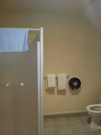 Brylin Motel: Bathroom