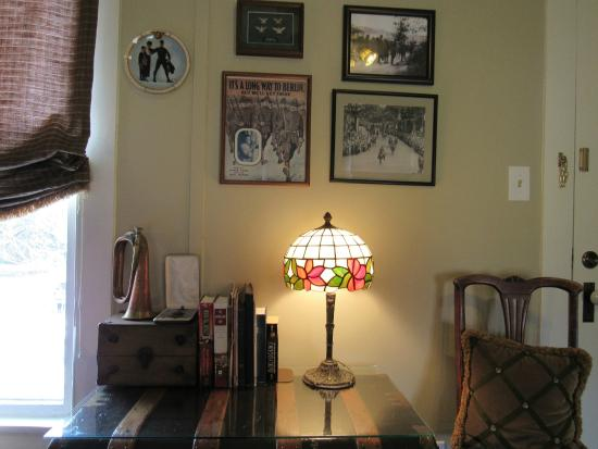 Manor of Time - A Bed and Breakfast: Colonel's Room.