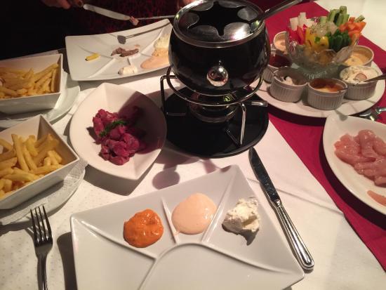 munottopf fondue chinoise bild von kronenhof schaffhausen tripadvisor. Black Bedroom Furniture Sets. Home Design Ideas