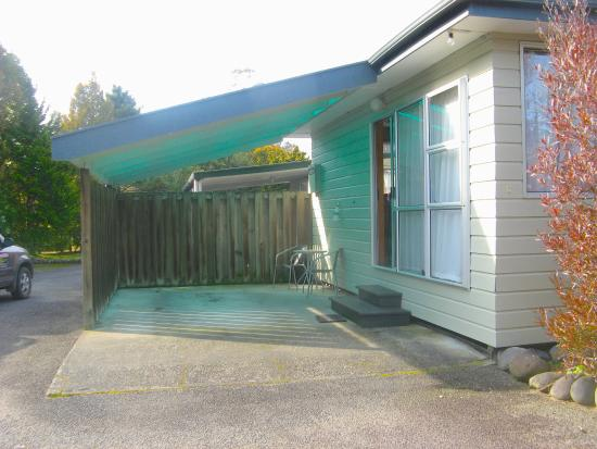 Tongariro River Motel: Unit 8